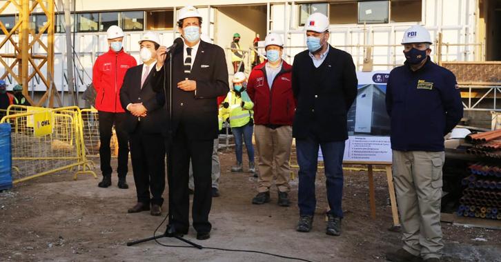 Ministro Víctor Pérez visitó obras del nuevo Lacrim